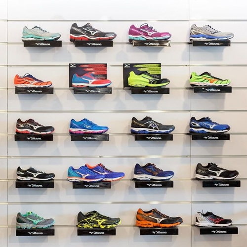 With staff made up of athletes and running enthusiasts, you know you're in good hands at @therunnersshop! . . . #byISPT #gungahlinvillage #runnersshop #sneakers #runners #canberralife #gungahlin #run #fashion