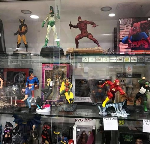 How cool are these! Find awesome statuettes of your favourite heroes at Penney's Paper Shop. . . . #byISPT #gungahlinvillage #gungahlin #canberra #penneyspapershop #marvel #dccomics #superhero